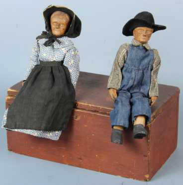 Red painted Box with 2 Wooden Dolls