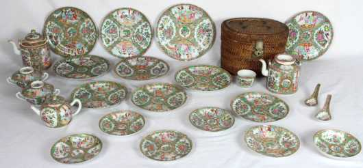 Chinese Rose Medallion, 22 pieces