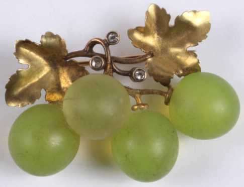 Yellow Gold Pin, leaf form vines with 3 small diamonds