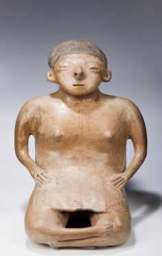 A fine Chinesco seated female figure, 300 AD