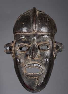 A Fine skin covered Widikum face mask