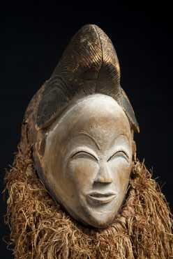 A fine Punu Face mask