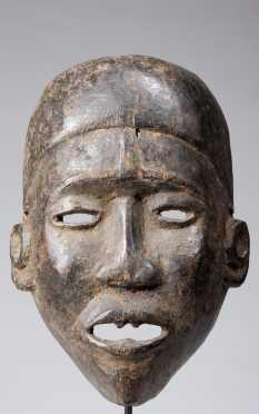 A fine Bakongo facemask