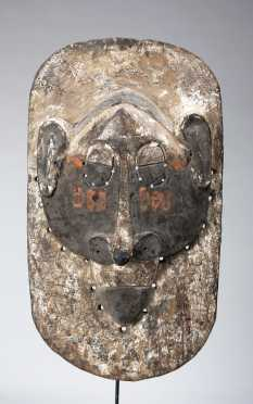 A fine Lula or Nkanu mask