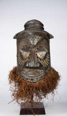 A Kuba/Kete Helmet mask