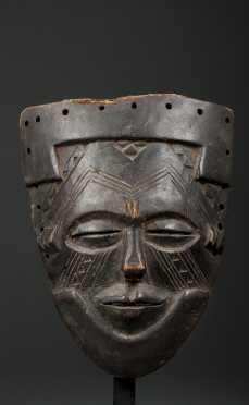 A small Kuba mask