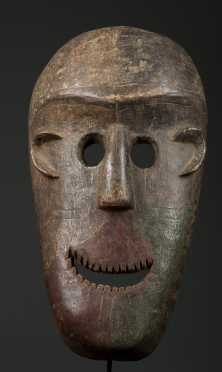 A large Sukuma mask
