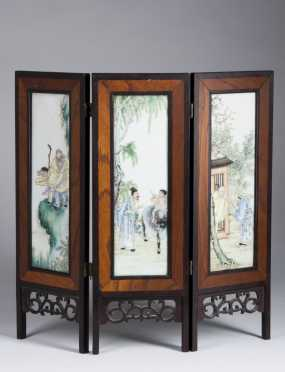 Chinese Three Panel Table Screen