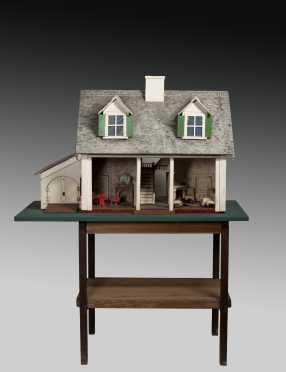 Vintage Cape Style Doll House