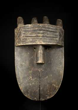 A fine and rare Toma Angbai mask