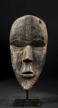 A fine Dan Bassa mask
