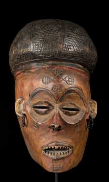 A Lwena dance mask