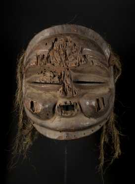 A large Mbunda Sachihongo mask