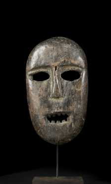 A fine and powerful Kumu mask