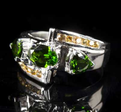 Chrome Diopside and Yellow Sapphire Ring