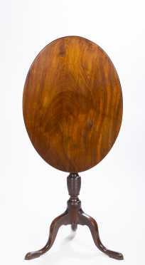 Massachusetts Oval Top Candlestand