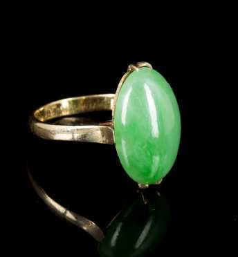 Jadeite and Yellow Gold Ring