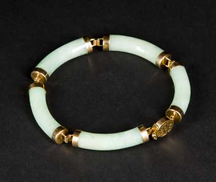 A Nephrite and Yellow Gold Bracelet
