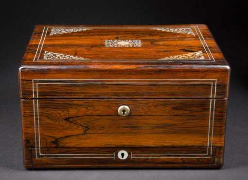 Regency Rosewood Dressing Box
