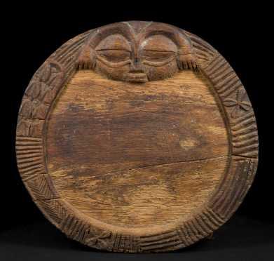 A Yoruba divination tray
