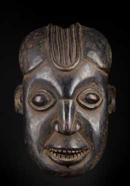 A fine Cameroon Grasslands helmet mask