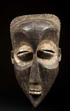 A fine Mbagani mask