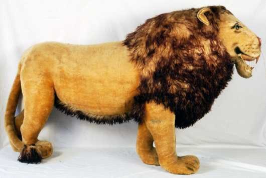Steiff Studio Display Standing Lion
