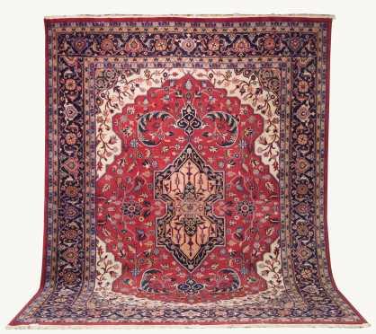 Modern Room Size Heriz Oriental Rug