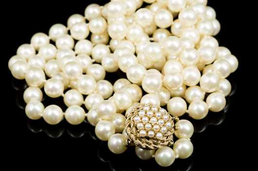 14kt Gold and Pearl Clasp Finishing a Faux Double Strand Pearl Necklace