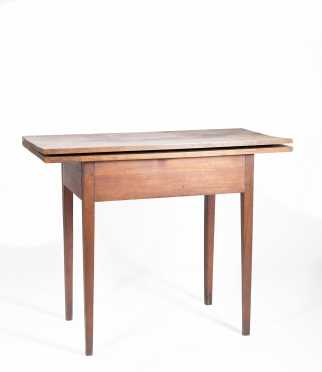 NH Hepplewhite Card Table in the Old Finish