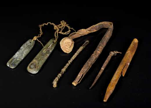 Inuit Sewing Items