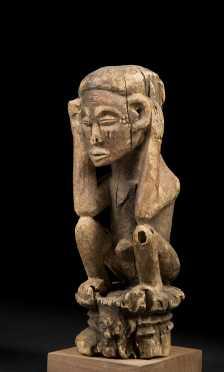 A fine Chokwe seated figure, Kasai Chokwe; D.R. Congo