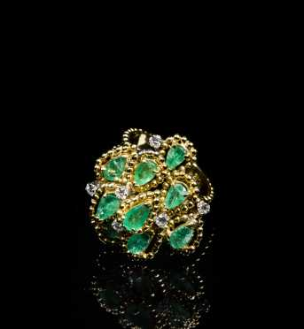 18kt. Natural Emerald and Diamond Ring