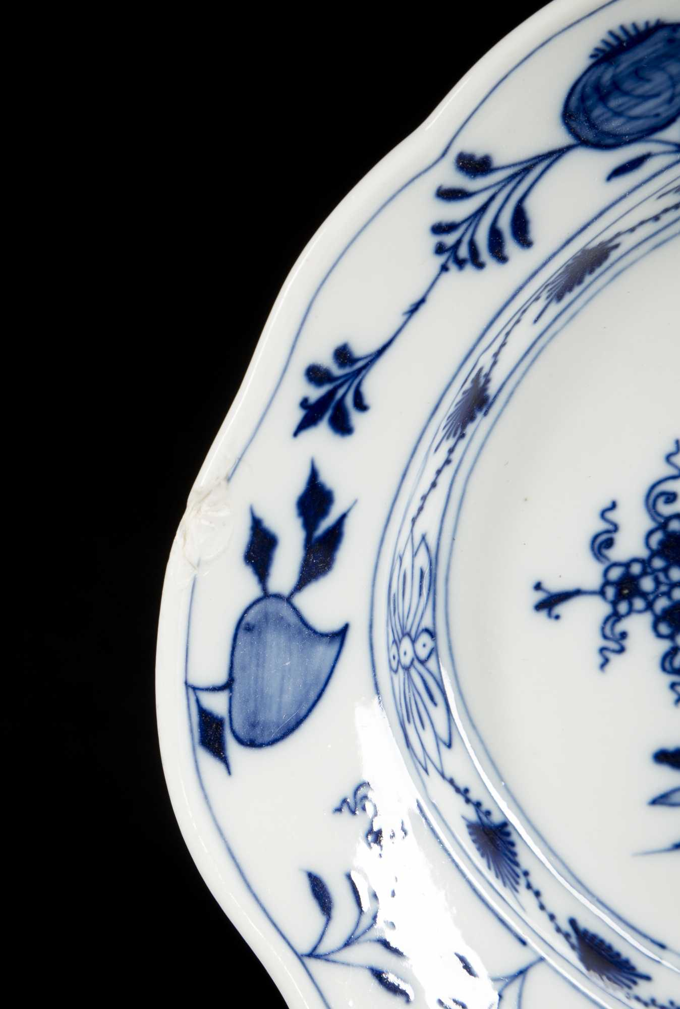 sc 1 st  The Cobbs Auctioneers & Large Collection of Blue Onion Pattern Meissen