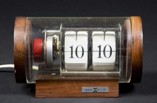 Limited Edition Howard Miller Desk Clock