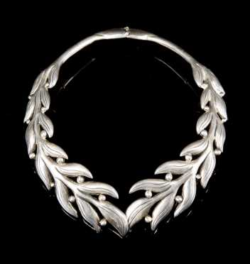 Sterling Silver Hinged Choker