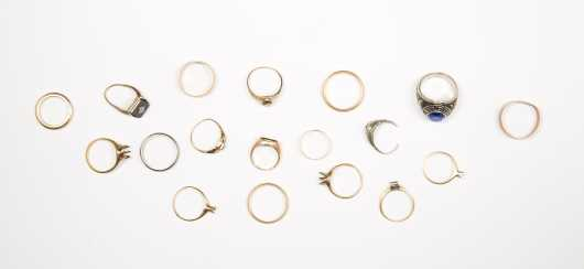 Large Lot of Scrap Gold Rings