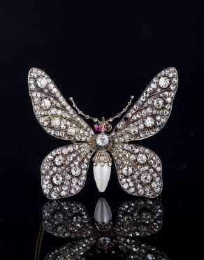 Butterfly Diamond Pendant Brooch in Yellow Gold
