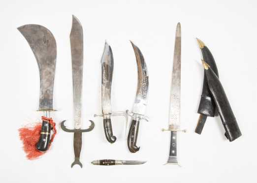 Lot of Six Reproduction Fighting Knives