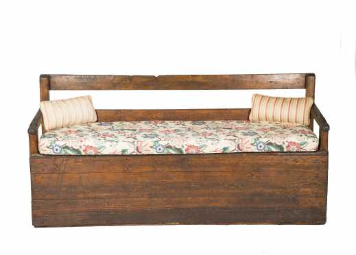 Primitive Pine Settle Bench