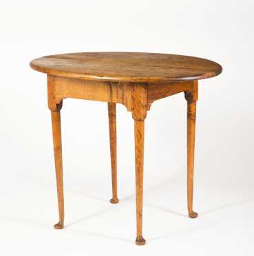 New England Queen Anne Oval Top Tea Table