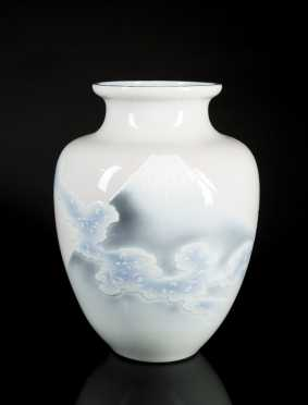 Japanese Porcelain Ovid Vase Mt. Fuji Decoration