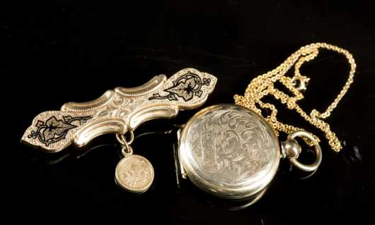 Unmarked Dag Locket and Pin