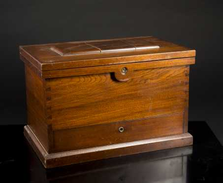 Miniature Walnut 19thC American Tool Box