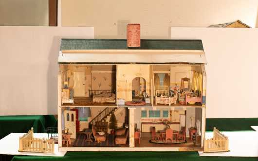 Five Room Colonial Doll House