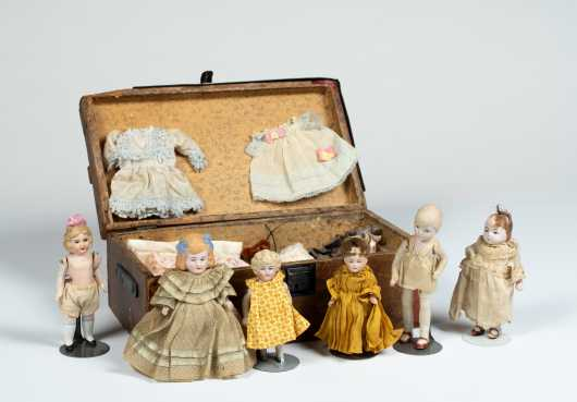 Small Old Trunk with Reproduction Clothes and Hats for Small Doll