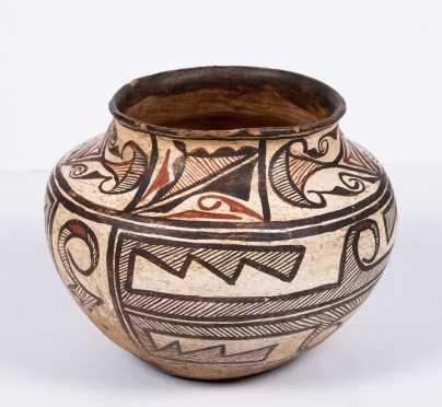 """Native American """"Zuni"""" Decorated Pot"""