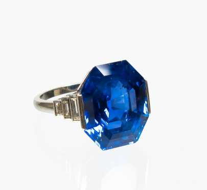 Burmese Sapphire Period Art Deco Platinum and Diamond Ring