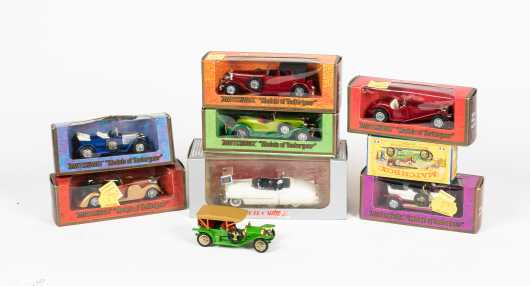 """Lot of Eight """"Matchbox"""" and Retro Cars"""