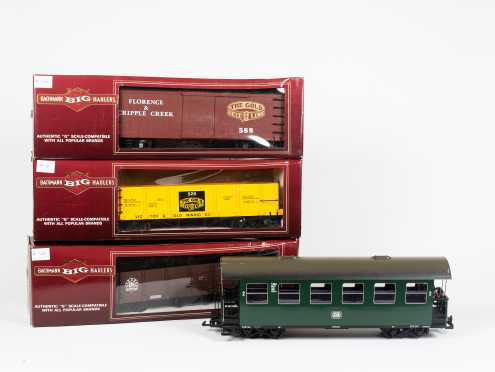 """Big Bachmann Haulers """"G"""" Scale Compatible Locomotive, Tender and Four Cars"""